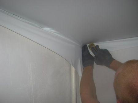 Как натягивать натяжные потолки своими руками без нагрева